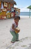 παιδί cononut Στοκ φωτογραφίες με δικαίωμα ελεύθερης χρήσης