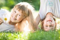 Παιδιά που έχουν τη διασκέδαση στοκ φωτογραφίες