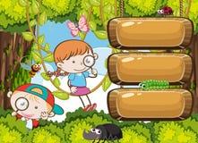 Παιδιά που εξερευνούν το έμβλημα τροπικών δασών ελεύθερη απεικόνιση δικαιώματος