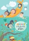 Παιδιά που παίζουν και που απολαμβάνουν στο waterpark στις θερινές διακοπές Στοκ φωτογραφίες με δικαίωμα ελεύθερης χρήσης
