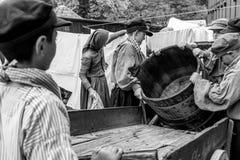 Παιδιά στην εργασία - θέαμα στοκ φωτογραφίες