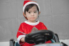 Παιδιά Χριστουγέννων, Χαρούμενα Χριστούγεννα και καλές διακοπές! Στοκ Φωτογραφία