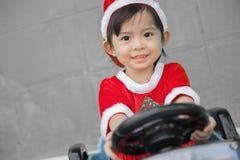 Παιδιά Χριστουγέννων, Χαρούμενα Χριστούγεννα και καλές διακοπές! Στοκ εικόνα με δικαίωμα ελεύθερης χρήσης