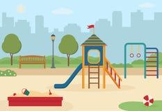 Παιδική χαρά παιδιών ` s στο πάρκο πόλεων με τα παιχνίδια, μια φωτογραφική διαφάνεια, ένα σκάμμα Στοκ φωτογραφία με δικαίωμα ελεύθερης χρήσης