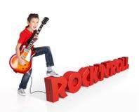 Παιχνίδια αγοριών στην ηλεκτρική κιθάρα με το τρισδιάστατο κείμενο Στοκ εικόνα με δικαίωμα ελεύθερης χρήσης