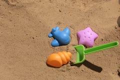 Παιχνίδια παραλιών για το παιδί Στοκ Εικόνες