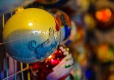 Παιχνίδια Χριστουγέννων, σφαίρες ενός λύκου Στοκ εικόνες με δικαίωμα ελεύθερης χρήσης