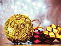 Παιχνίδια χριστουγεννιάτικων δέντρων στοκ εικόνα με δικαίωμα ελεύθερης χρήσης