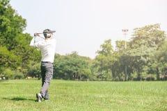 παιχνίδι ατόμων γκολφ Στοκ εικόνες με δικαίωμα ελεύθερης χρήσης