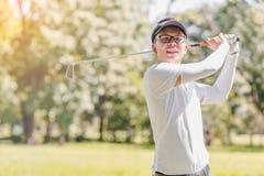 παιχνίδι ατόμων γκολφ Στοκ Φωτογραφίες