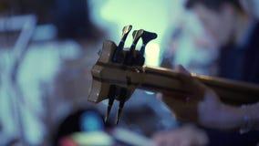 παιχνίδι ατόμων κιθάρων απόθεμα βίντεο