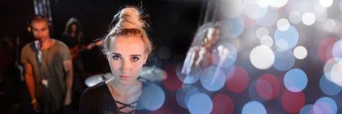 παιχνίδι ζωνών στη συναυλία με τη μετάβαση στοκ φωτογραφίες