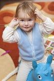 παιχνίδι ιππασίας μωρών Στοκ Φωτογραφίες