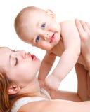 παιχνίδι μητέρων μωρών στοκ φωτογραφία με δικαίωμα ελεύθερης χρήσης