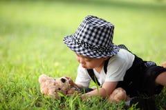 παιχνίδι πάρκων κατσικιών μό&del στοκ φωτογραφίες με δικαίωμα ελεύθερης χρήσης