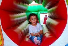 παιχνίδι παιδιών μικρό στοκ εικόνα με δικαίωμα ελεύθερης χρήσης