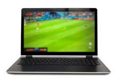 Παιχνίδι ποδοσφαίρου προσοχής στο lap-top Στοκ εικόνα με δικαίωμα ελεύθερης χρήσης