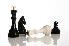 Παιχνίδι σκακιού που απομονώνεται στο άσπρο υπόβαθρο Στοκ εικόνα με δικαίωμα ελεύθερης χρήσης