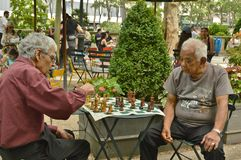 Παιχνίδι σκακιού στην πόλη της Νέας Υόρκης πάρκων του Bryant στοκ φωτογραφία με δικαίωμα ελεύθερης χρήσης