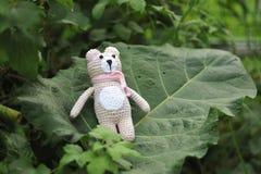 Παιχνίδι Amigurumi TeddyBear Στοκ φωτογραφία με δικαίωμα ελεύθερης χρήσης