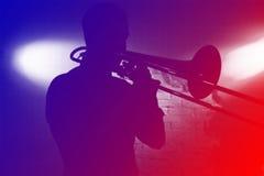 Παιχνίδι trumpeter Στοκ φωτογραφία με δικαίωμα ελεύθερης χρήσης