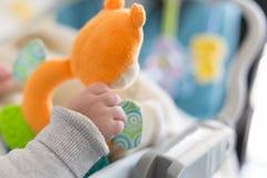 Παιχνίδια για το νεογέννητο μωρό Στοκ Εικόνα