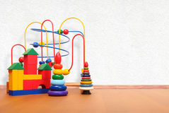 Παιχνίδια στο πάτωμα Στοκ Φωτογραφία
