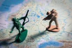 Παιχνίδια στρατιωτών στο χάρτη, πολεμική έννοια Στοκ εικόνες με δικαίωμα ελεύθερης χρήσης