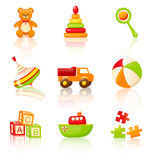 Παιχνίδια των ζωηρόχρωμων παιδιών. Διανυσματικά εικονίδια. Στοκ εικόνα με δικαίωμα ελεύθερης χρήσης