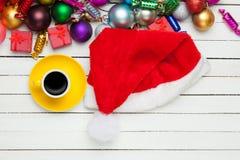 Παιχνίδια φλυτζανιών και Χριστουγέννων Στοκ φωτογραφία με δικαίωμα ελεύθερης χρήσης