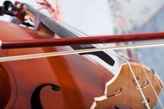 Παιχνίδι ατόμων στο βιολοντσέλο Στοκ Φωτογραφία