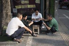 Παιχνίδι καρτών οδών, Σαγκάη στοκ εικόνες