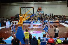 Παιχνίδι καλαθοσφαίρισης μεταξύ του Brescia και της Βερόνα Στοκ Εικόνα