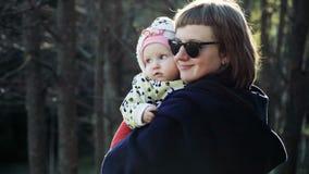 Παιχνίδι μητέρων και μωρών από κοινού απόθεμα βίντεο