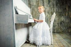 παιχνίδι μουσικής Στοκ φωτογραφίες με δικαίωμα ελεύθερης χρήσης