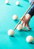 Παιχνίδι μπιλιάρδου σνούκερ Στοκ εικόνα με δικαίωμα ελεύθερης χρήσης
