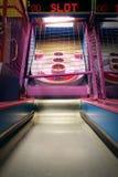 Παιχνίδι μπόουλινγκ σφαιρών Skee arcade Στοκ Εικόνα