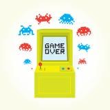 Παιχνίδι πέρα από τη μηχανή arcade Στοκ Φωτογραφίες