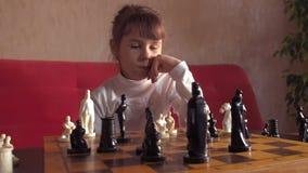 παιχνίδι παιδιών σκακιού φιλμ μικρού μήκους