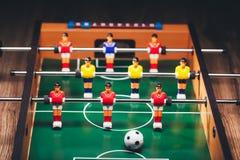 Παιχνίδι & x28 ποδοσφαίρου επιτραπέζιου ποδοσφαίρου kicker& x29  Στοκ φωτογραφίες με δικαίωμα ελεύθερης χρήσης