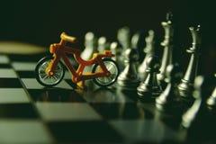 Παιχνίδι σκακιού των επιτυχών ανθρώπων Στοκ εικόνες με δικαίωμα ελεύθερης χρήσης