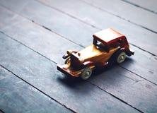 παιχνίδι ταξί αυτοκινήτων διαδρόμων κίτρινο Στοκ φωτογραφίες με δικαίωμα ελεύθερης χρήσης