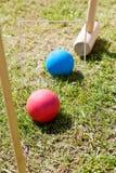 Παιχνίδι του κροκέ στον πράσινο χορτοτάπητα Στοκ Φωτογραφία