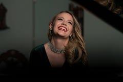 Παιχνίδι Pianist πιάνων Στοκ φωτογραφία με δικαίωμα ελεύθερης χρήσης