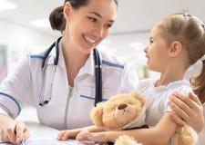 παιδίατρος Στοκ Φωτογραφίες