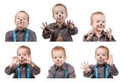 Παιδί αγοριών παιδιών με τη γάτα makeup Χιούμορ και διασκέδαση, ευτυχής παιδική ηλικία Στοκ Εικόνες