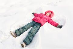 παιδί λίγο χιόνι Στοκ Εικόνες