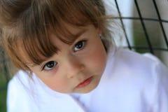 Παιδί με τα μεγάλα χαριτωμένα μάτια Στοκ εικόνα με δικαίωμα ελεύθερης χρήσης