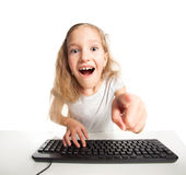 Παιδί με τον υπολογιστή Στοκ φωτογραφία με δικαίωμα ελεύθερης χρήσης
