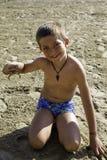 Παιδί με το καβούρι Στοκ Εικόνες